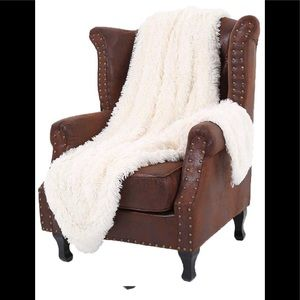 Other - White cream soft faux fur blanket New 50x60